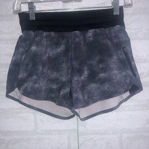 Women's lululemon tracker V shorts sz 4